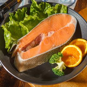 鮭魚切片 (500公克/片)